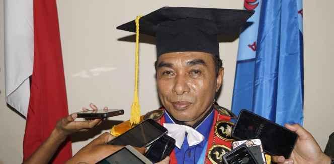 Rektor Unpatti, Prof.Dr. M.J. Sapteno, SH. M.Hum.