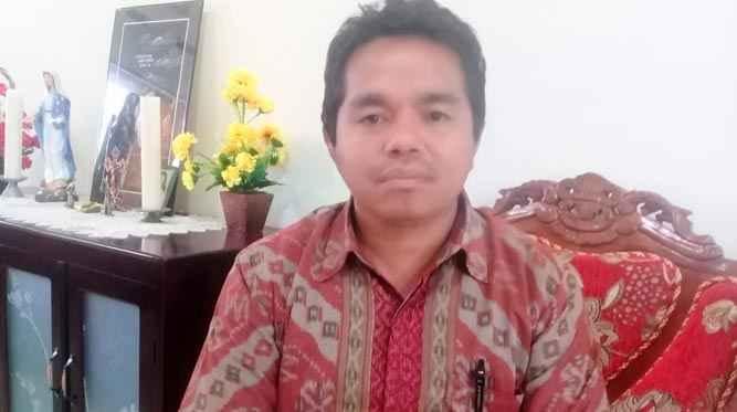 Kepala Sekolah SMA Xaverius Ambon, Pastor Isaias Pius Titirloloby