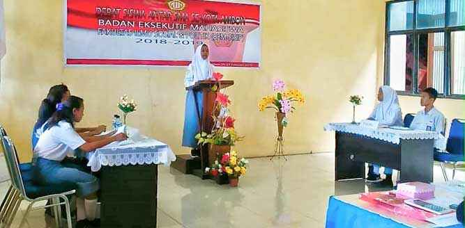 BEM-FIsip-Unidar-Lomba-Debat-SMA-Kota-Ambon