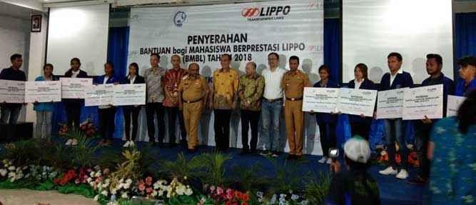Lippo-Grup-bantuan-ke-poltek-Tual