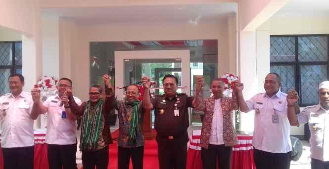 Sekjen Kementerian Desa, PDT dan Transmigrasi RI, Anwar Sanusi (nomor 4 dari kiri).