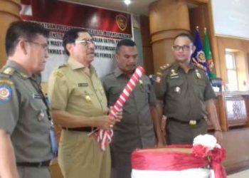 Wagub Maluku Memukul Tifa, Tanda Dibukanya Raker OPD SatPol PP.