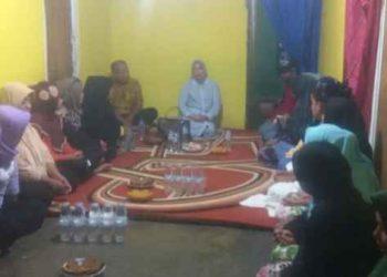 Hj. Safitri Malik Soulisa Silaturahmi Dengan Masyarakat.