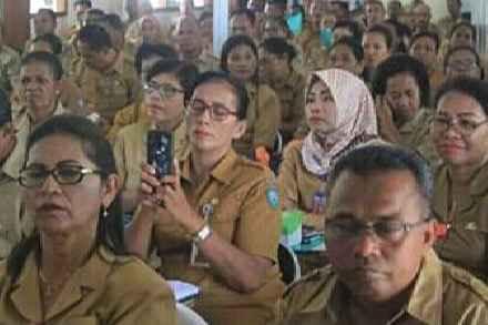 Bapa/Ibu Kepala Sekolah TK, SD, SMP  Se - Maluku Tenggara.