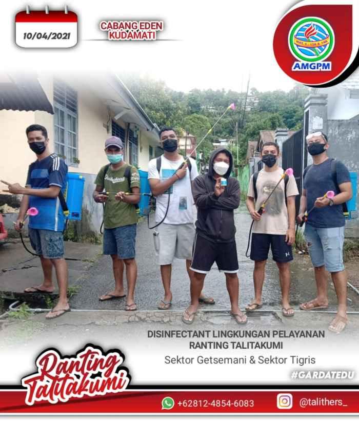 Aksi Penyemprotan Disinfektan oleh AM GPM Daerah Pulau Ambon.